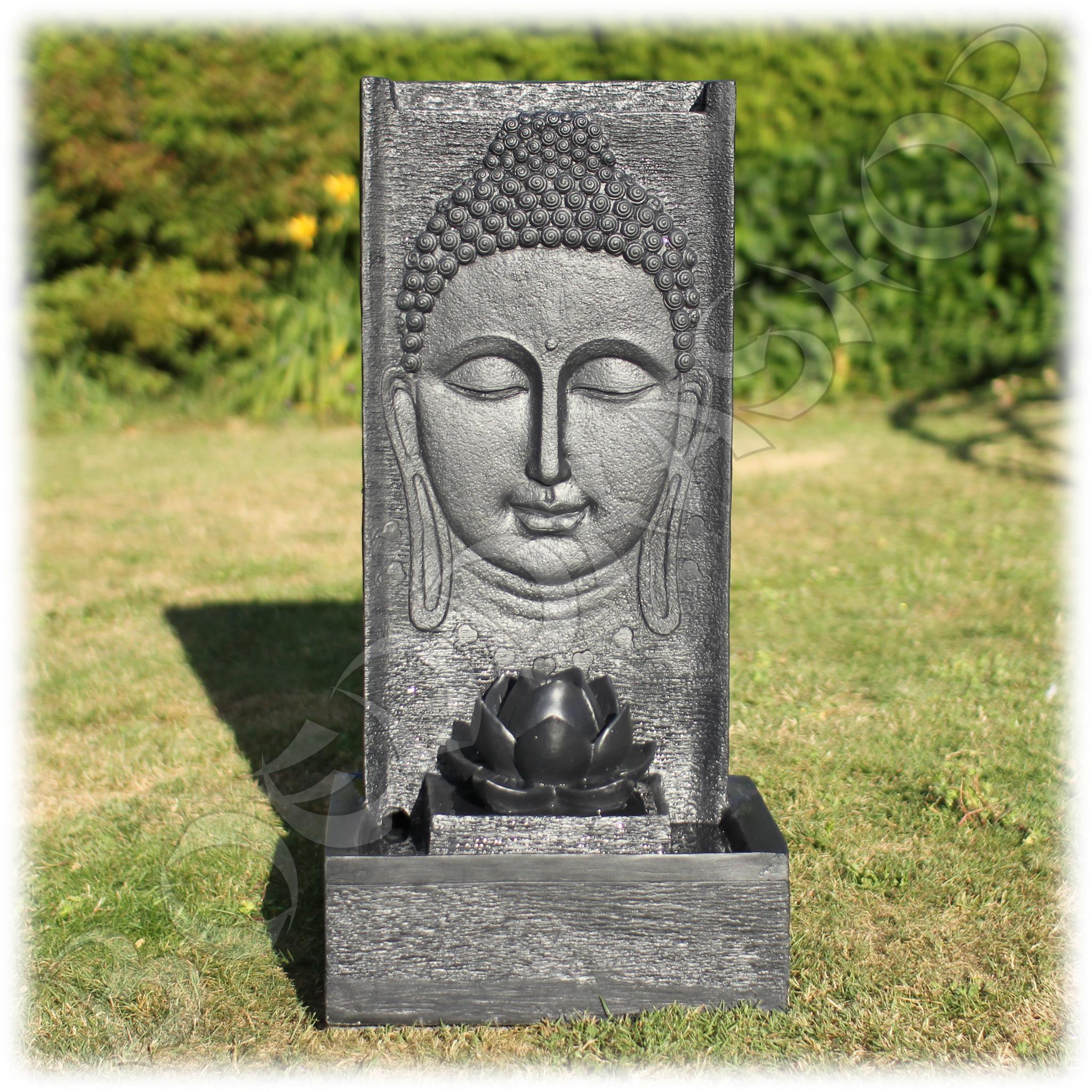 Boeddhabeeld Met Fontein.Fontein Thaise Boeddha Met Lotusbloem
