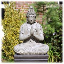 Kwan Yin tuinbeeld zittend