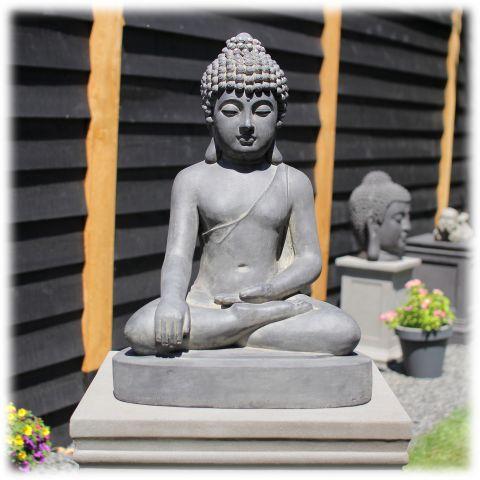 Boeddha tuinbeeld bhumisparsha L donker