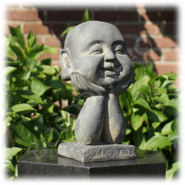 Happy Boeddha op handen donkergrijs
